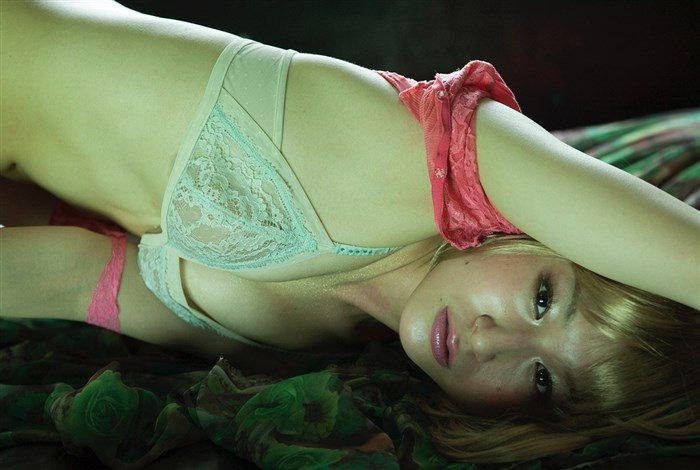 【画像】おかもとまり、写真集の全裸ヌードグラビアのムラムラ感半端ない!!!0008manshu