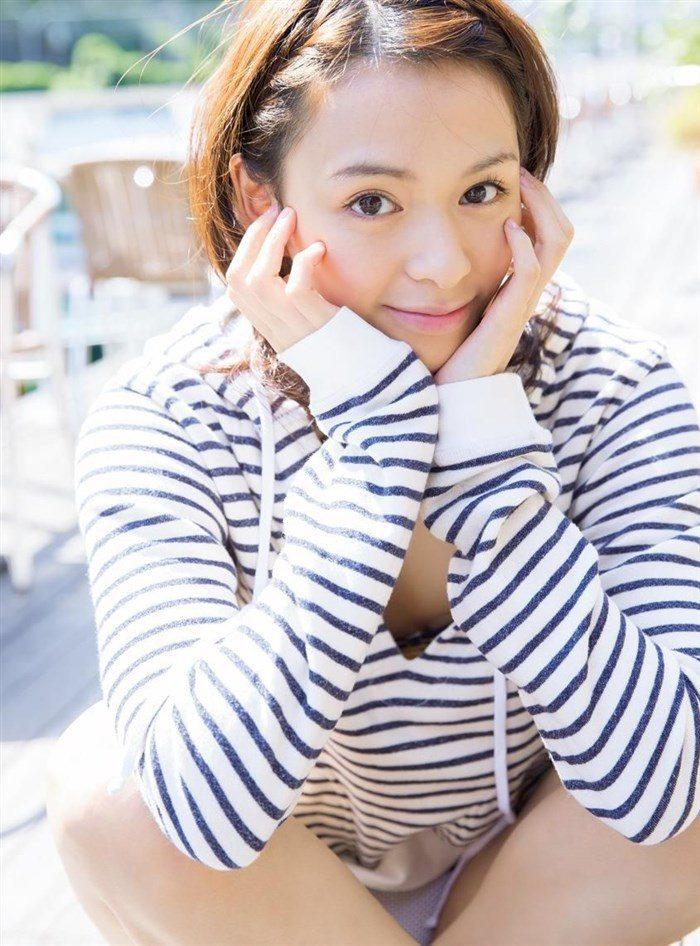 【画像】大沢ひかるちゃん、貧乳ボディを極小水着で無理矢理過激化!しかし可愛いから許すwww0051manshu
