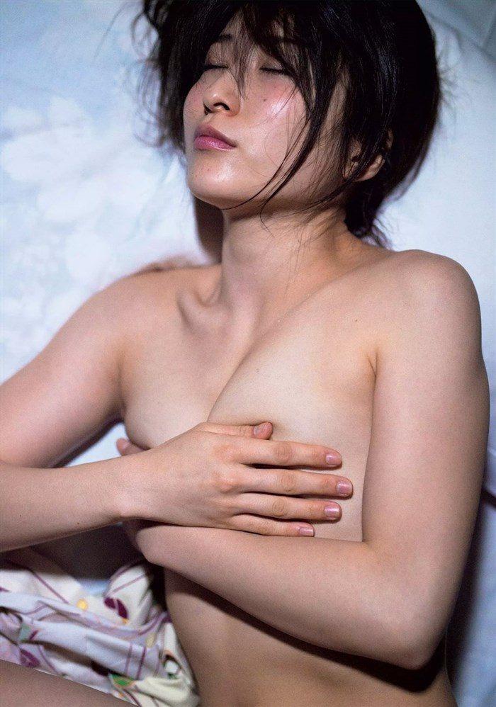【画像】おかもとまり、写真集の全裸ヌードグラビアのムラムラ感半端ない!!!0028manshu