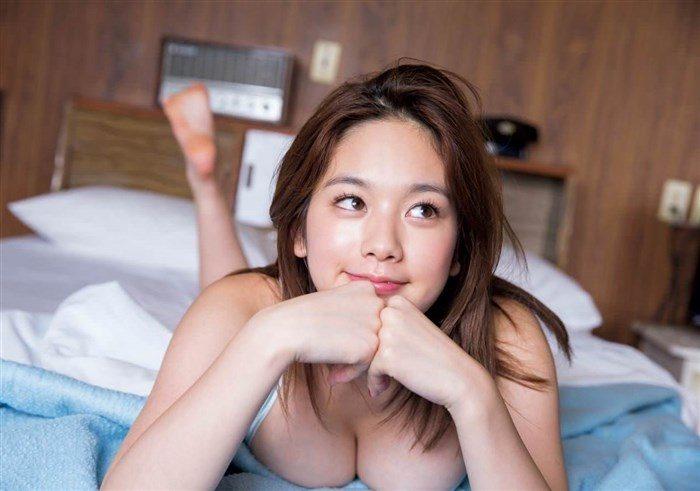 【高画質画像】筧美和子のおっぱいに挟まれてパイズリされる男がこの世に存在する事実!0128manshu