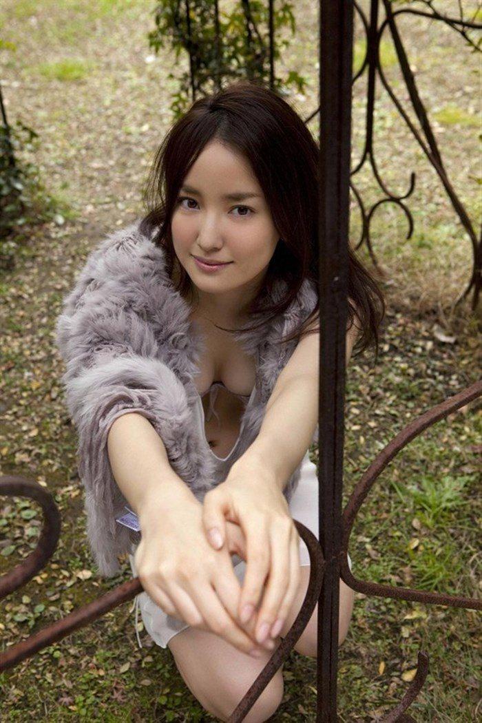 【画像】永池南津子の悩殺ランジェリーグラビア!ボディラインが綺麗過ぎwww0020manshu