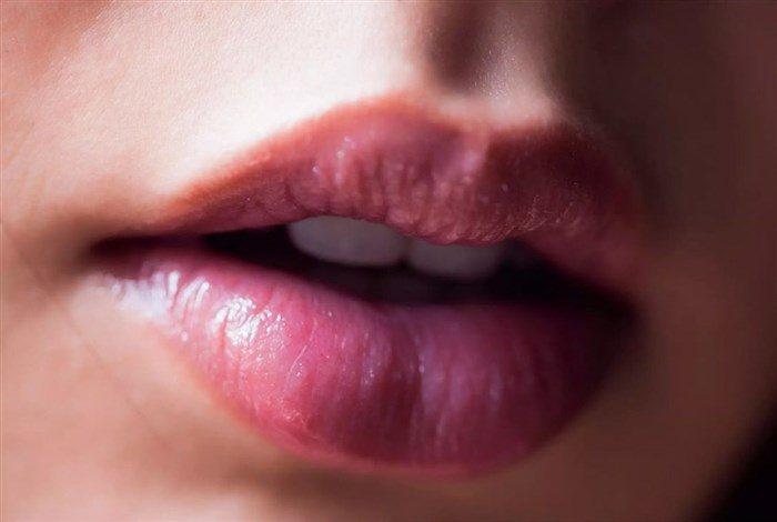 【画像】小西キスとかいう唇とボディがぐうエロい女wwwwwww0019manshu