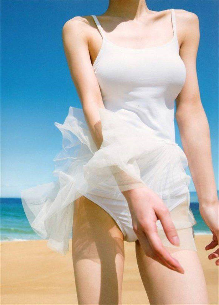 【画像】逢沢りなの巨乳とスレンダーな腰回りがたまんねええええええええ0116manshu