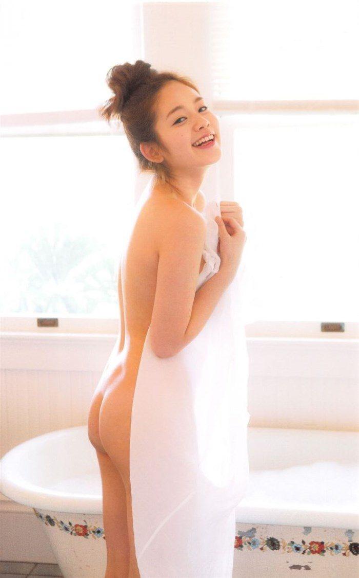 【高画質画像】筧美和子のおっぱいに挟まれてパイズリされる男がこの世に存在する事実!0008manshu