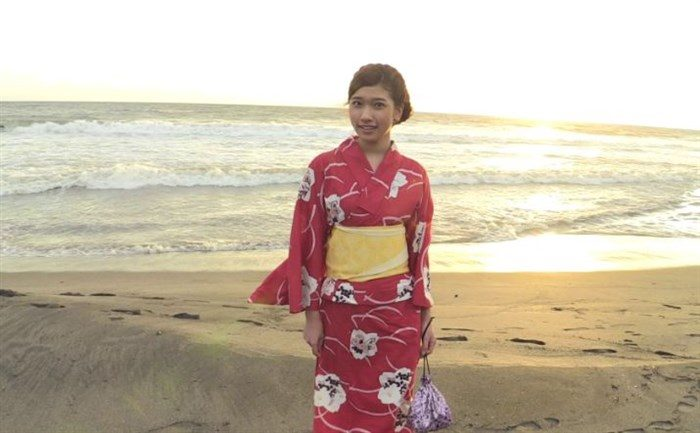 【画像】元AKB森川彩香がJK制服で居眠り中にパンツ脱がされるシーンwwww0086manshu