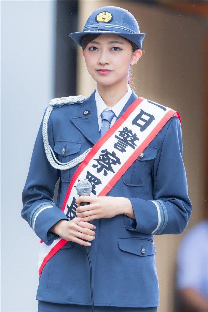 【画像】熊井友理奈の一日警察署長!真面目な役なのにエロく見えてしまう不思議wwww0021manshu
