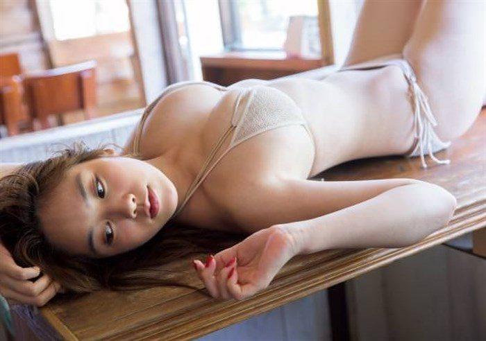 【高画質画像】筧美和子のおっぱいに挟まれてパイズリされる男がこの世に存在する事実!0101manshu