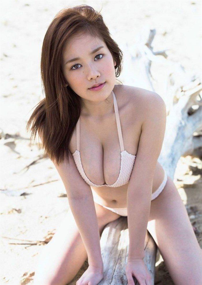 【高画質画像】筧美和子のおっぱいに挟まれてパイズリされる男がこの世に存在する事実!0079manshu