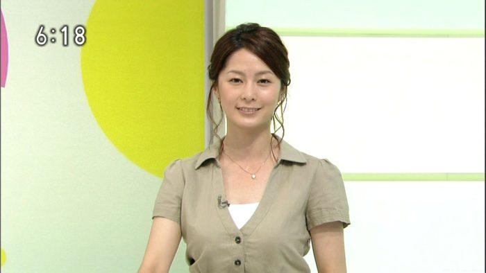 杉浦友紀アナ、浅田舞のダブルおっぱいすげえええええ!「メロンが4つ」「乳ばかり見てしまう」