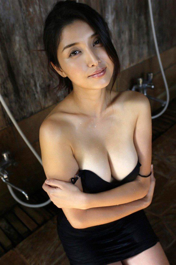 【画像】橋本マナミの高画質写真集が予想を裏切らない内容でち〇ぽ困惑0082manshu
