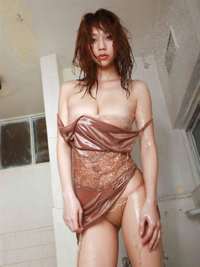 【画像】小泉麻耶のマン筋拝めるドスケベ水着グラビアたまんねえええええええ0114manshu