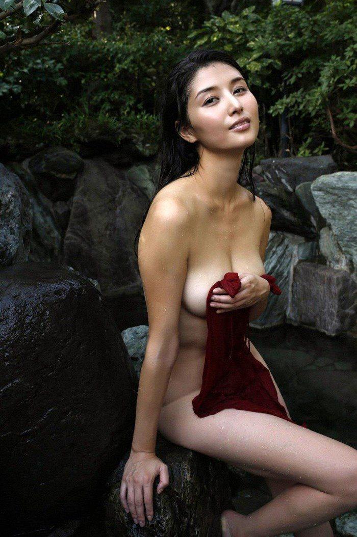 【画像】橋本マナミの高画質写真集が予想を裏切らない内容でち〇ぽ困惑0086manshu