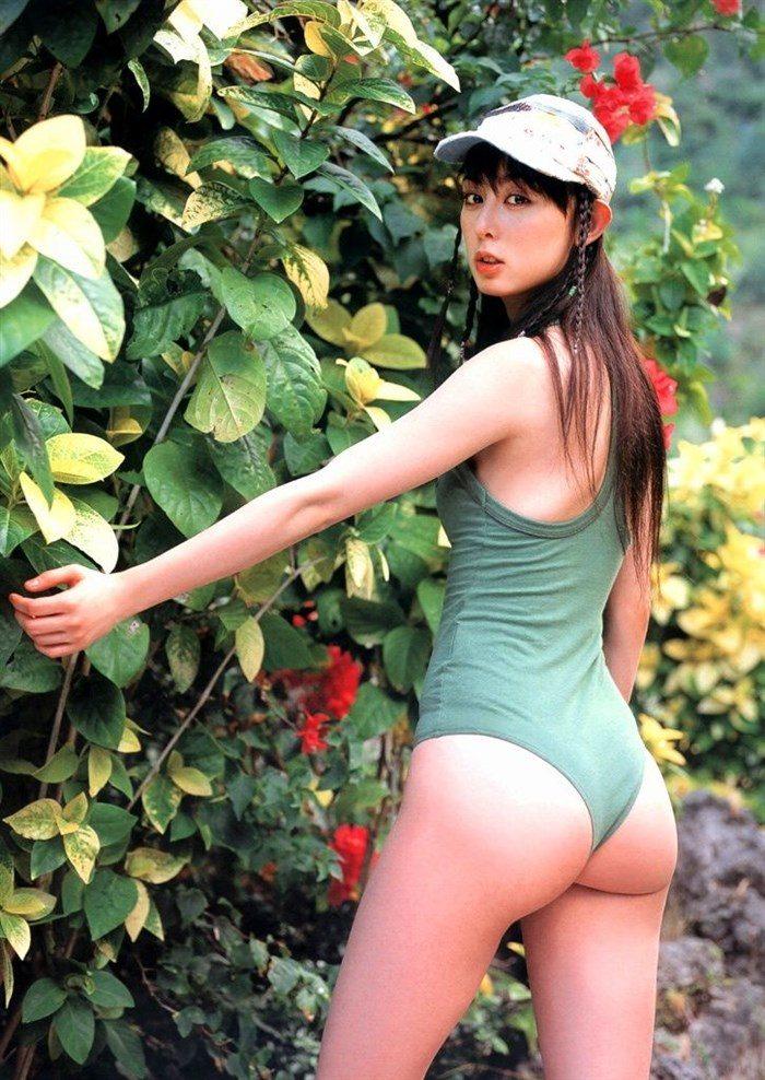 【画像】秋山莉奈の尻フェチが絶賛する過激ヒップを無料でご堪能下さい!!0004manshu