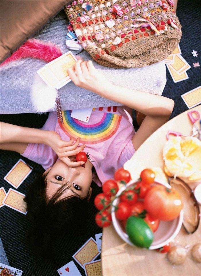 【画像】元AKB48前田敦子がちょっと可愛く見えてくるグラビア140枚まとめ0102manshu