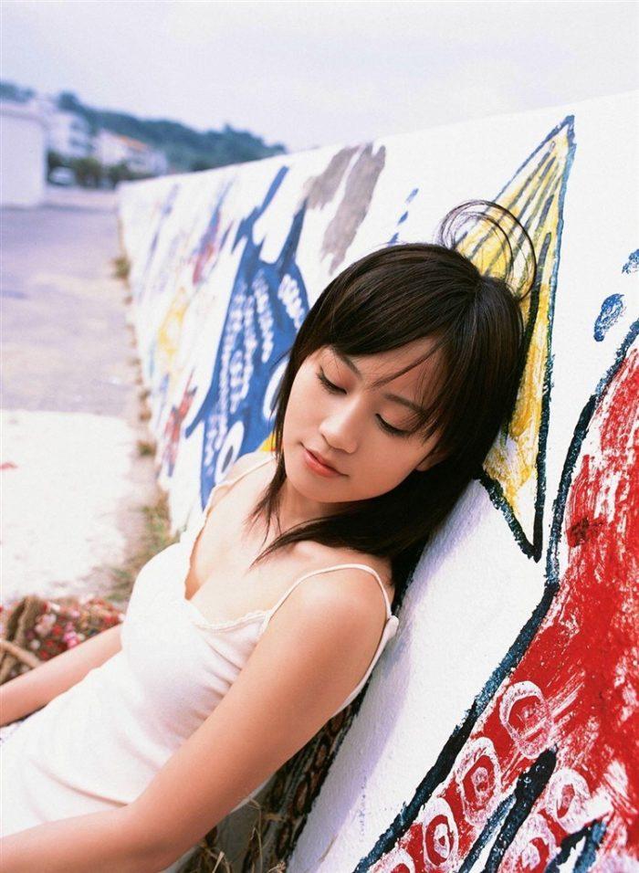 【画像】元AKB48前田敦子がちょっと可愛く見えてくるグラビア140枚まとめ0090manshu