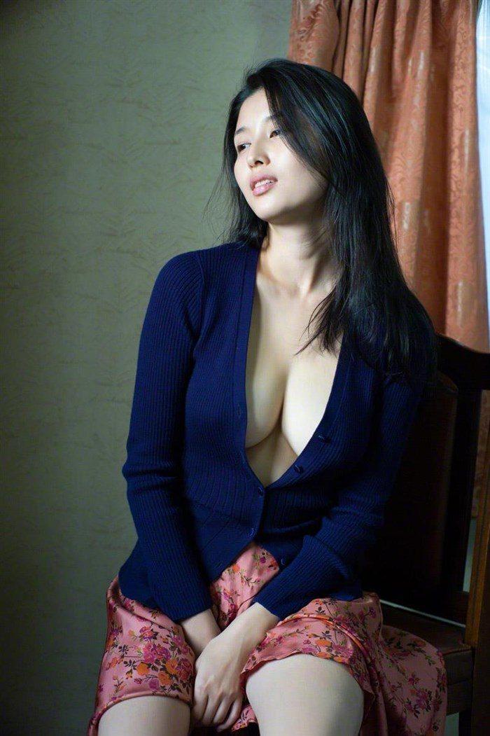 【画像】橋本マナミの高画質写真集が予想を裏切らない内容でち〇ぽ困惑0070manshu