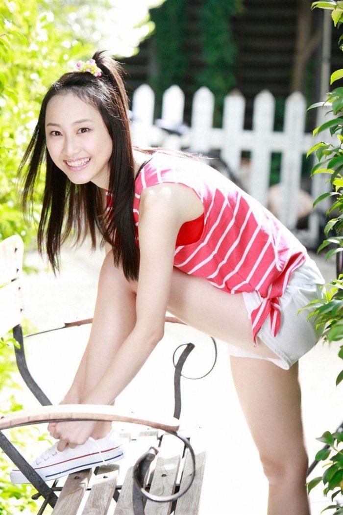 【画像】松井玲奈の生足が悩ましい微エロ高画質写真集まとめ0052manshu