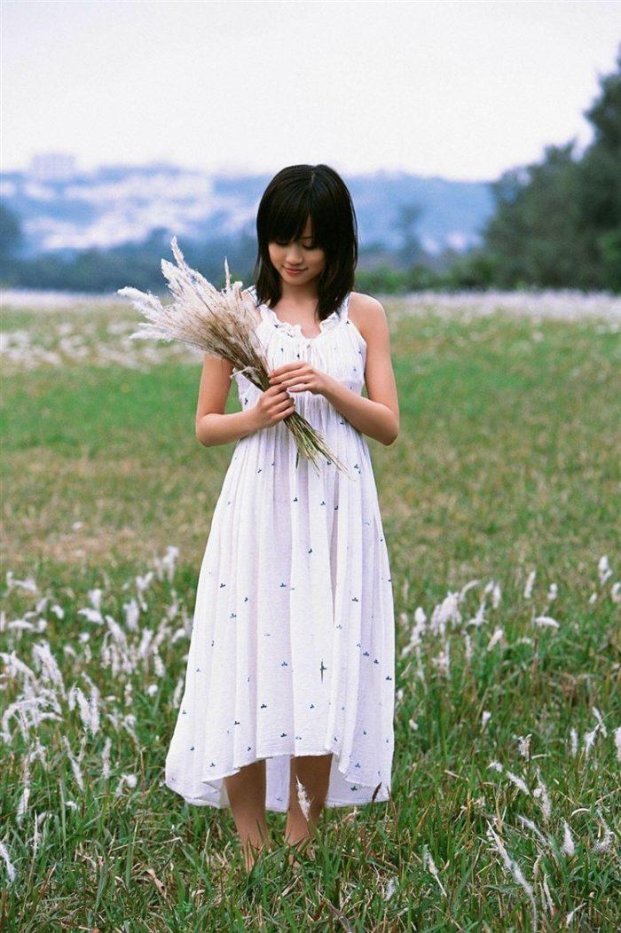 【画像】元AKB48前田敦子がちょっと可愛く見えてくるグラビア140枚まとめ0113manshu