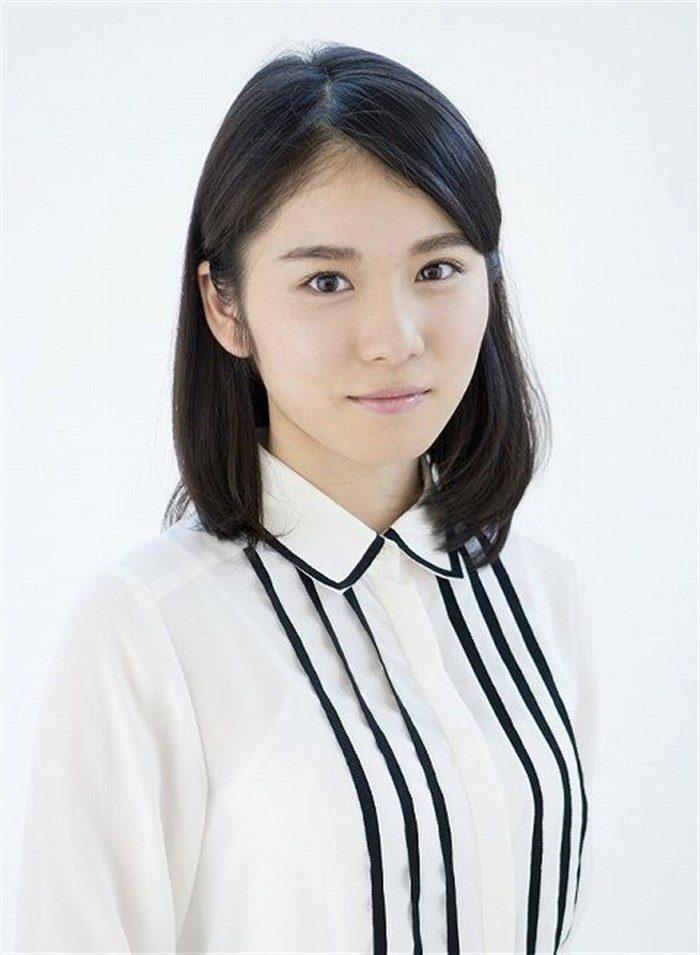 【画像】松岡茉優の推定Dカップの着衣おっぱいが地味にエロい!!0010manshu