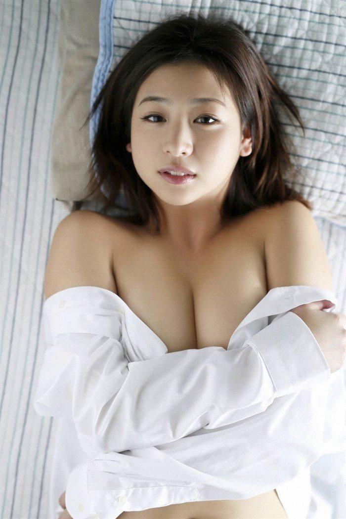 【画像】佐山彩香の手ぶら画像や乳首際を攻めた生殺しグラビアまとめ!!0033manshu