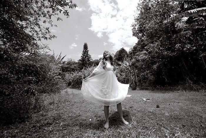 【画像】スザンヌの太ももを堪能できる全盛期の高画質グラビアまとめ!0109manshu