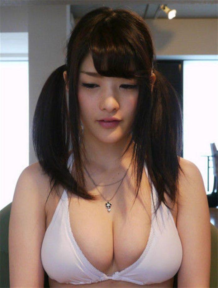 【画像】仮面女子神谷えりなのGカップ谷間が魅力的過ぎて吸い込まれそうww0014manshu