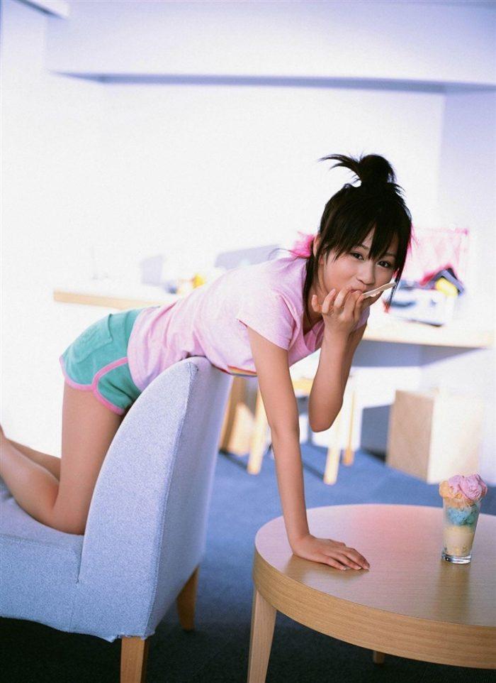 【画像】元AKB48前田敦子がちょっと可愛く見えてくるグラビア140枚まとめ0072manshu