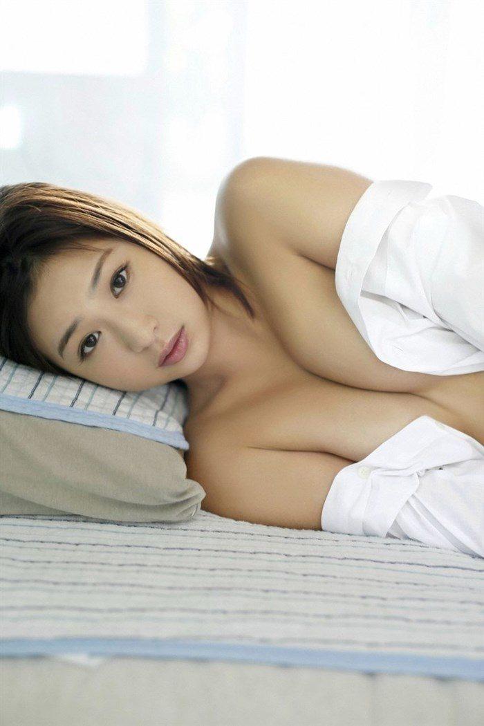 【画像】佐山彩香の手ぶら画像や乳首際を攻めた生殺しグラビアまとめ!!0029manshu