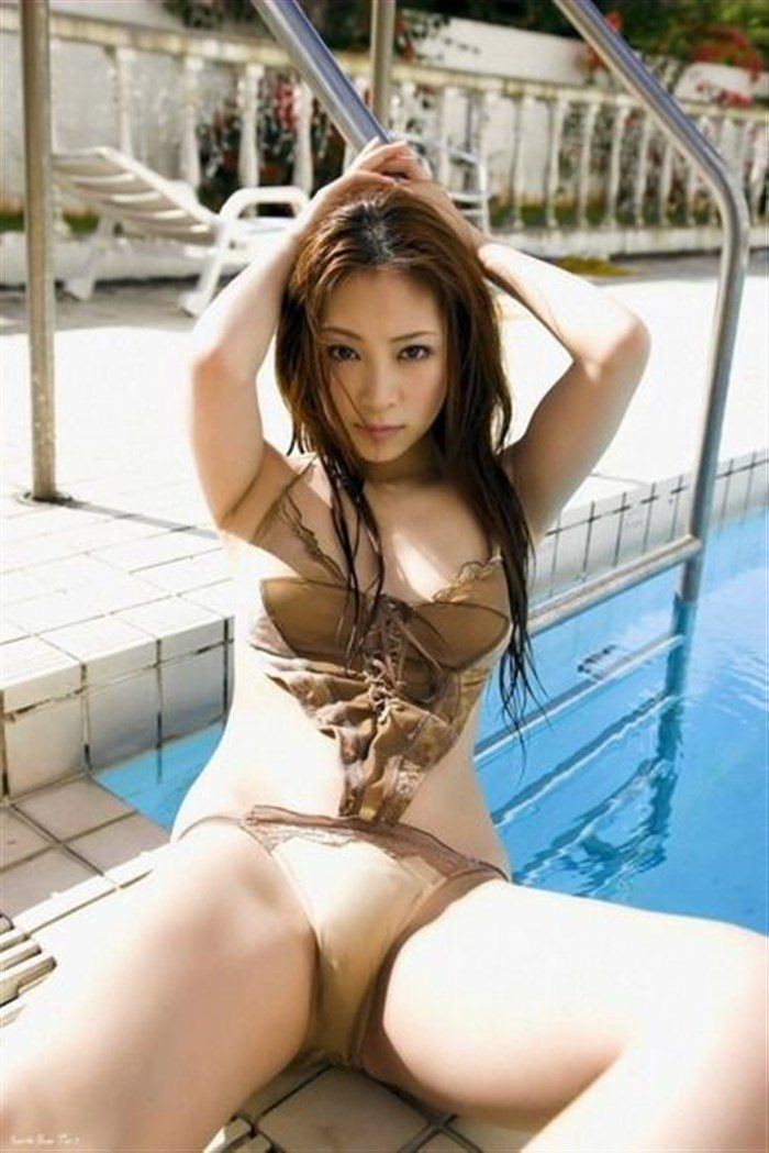 【画像】辰巳奈都子の極小水着&下着グラビアエロ過ぎ猛シコタwwww0046manshu