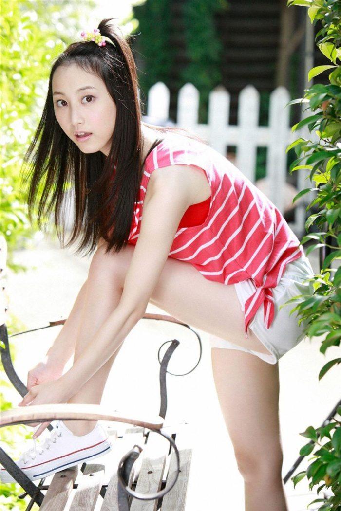 【画像】松井玲奈の生足が悩ましい微エロ高画質写真集まとめ0051manshu