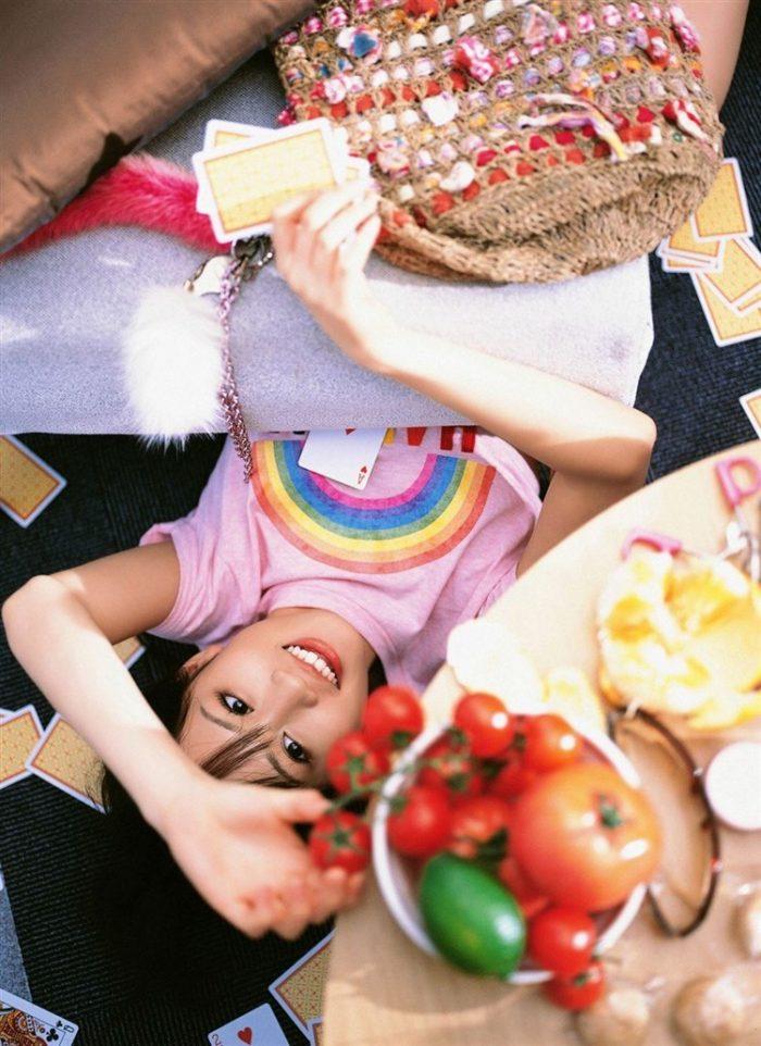 【画像】元AKB48前田敦子がちょっと可愛く見えてくるグラビア140枚まとめ0100manshu