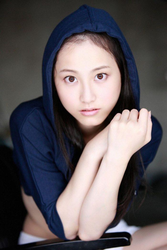 【画像】松井玲奈の生足が悩ましい微エロ高画質写真集まとめ0068manshu