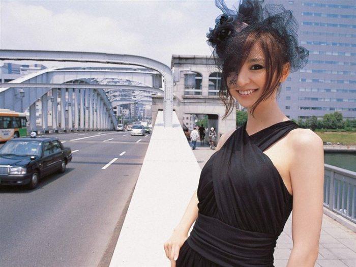 【画像】篠田麻里子の全盛期を懐かしむ会場はこちらwwwwww0040manshu