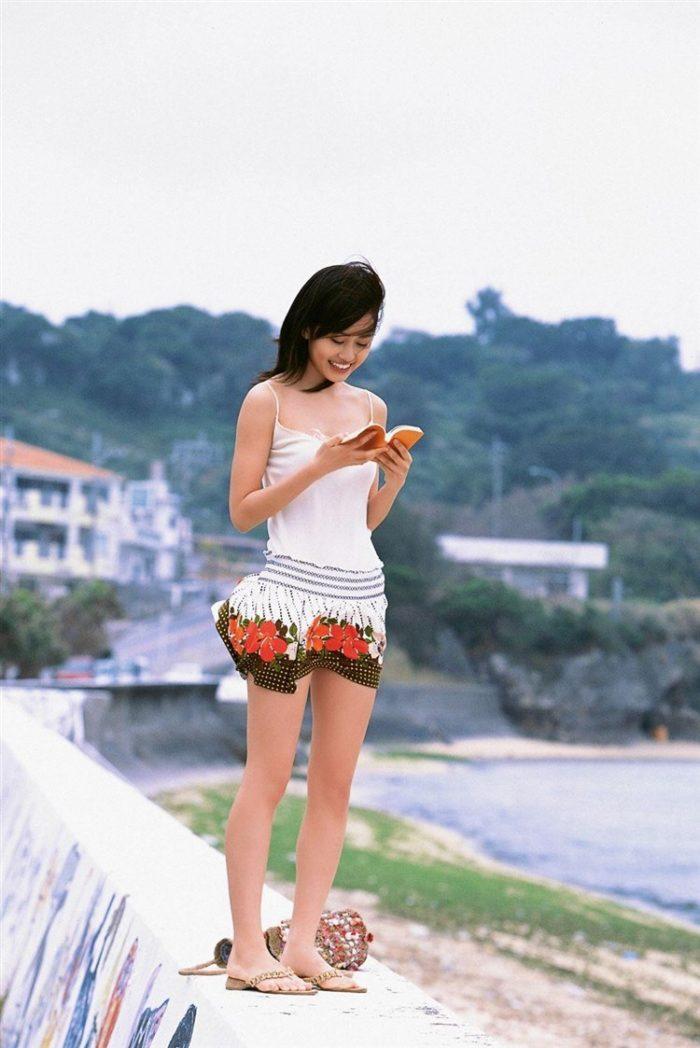 【画像】元AKB48前田敦子がちょっと可愛く見えてくるグラビア140枚まとめ0084manshu