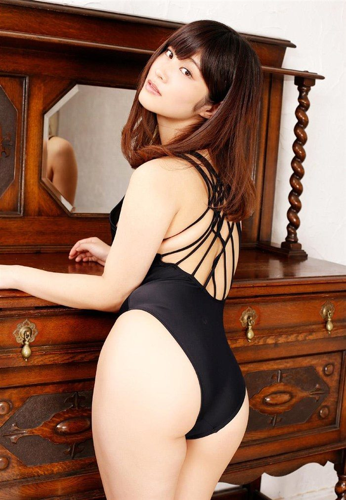 【画像】橘花凜の破廉恥すぎるミニスカOL風写真集!これは息子が黙ってない!0044manshu