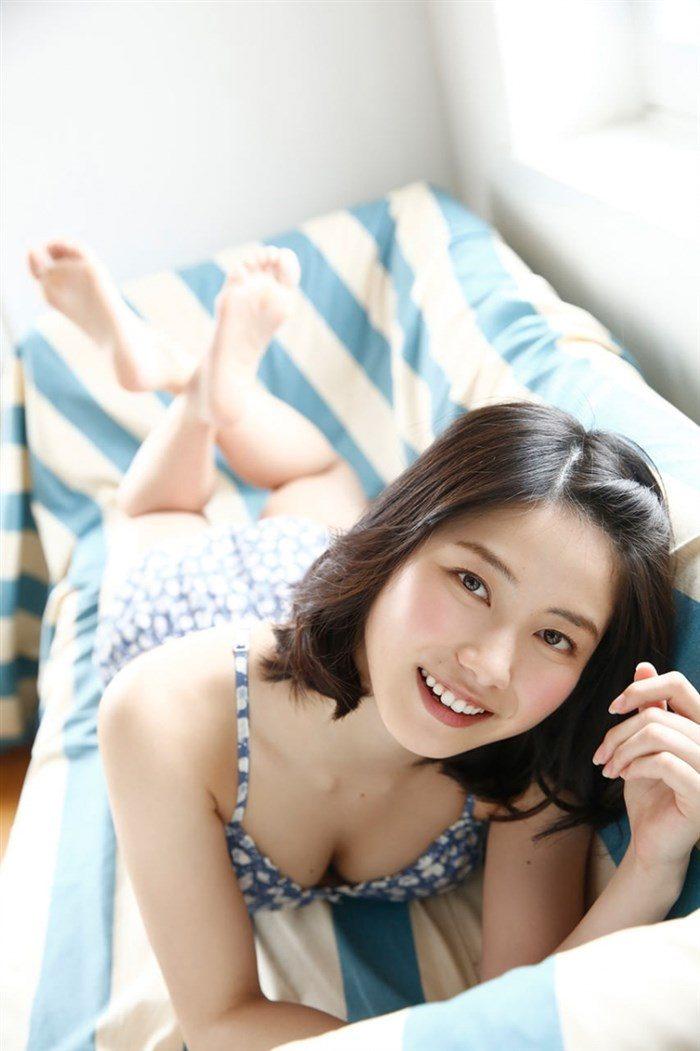 【画像】AKB総監督横山由依さんの土手マン!ぷっくり激しい高画質な1枚がこちら!0031manshu
