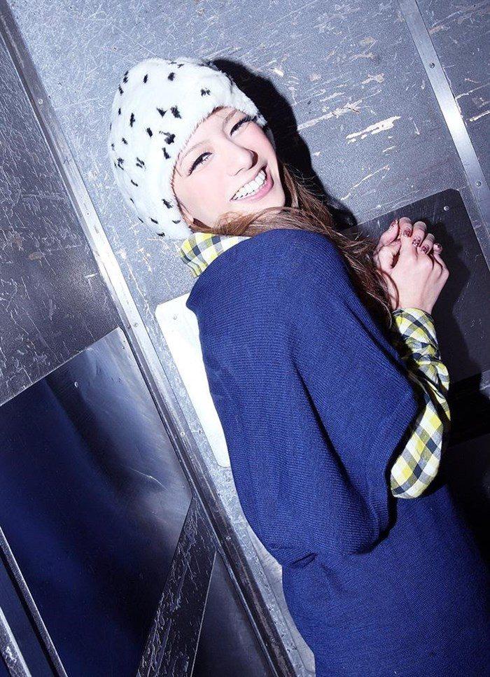 【画像】一番脂の乗った全盛期スザンヌのムチムチ太もも写真集!!0101manshu