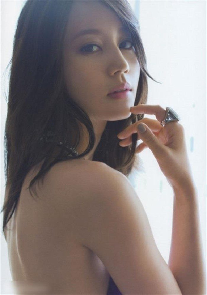 【画像】堀北真希のランジェリーグラビアが綺麗で捗り過ぎる件wwww0008manshu