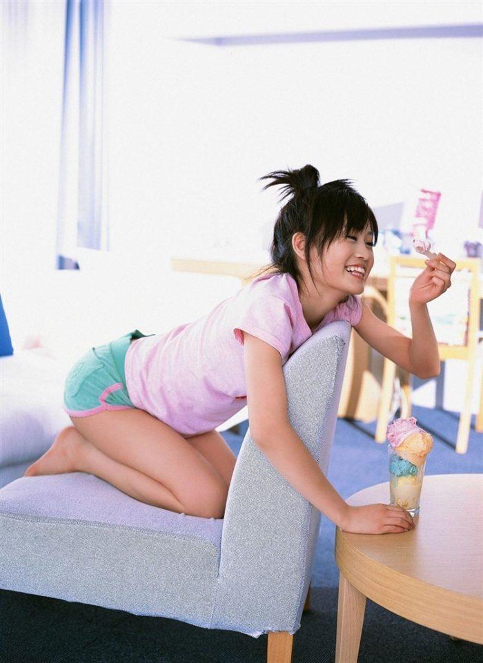 【画像】元AKB48前田敦子がちょっと可愛く見えてくるグラビア140枚まとめ0070manshu
