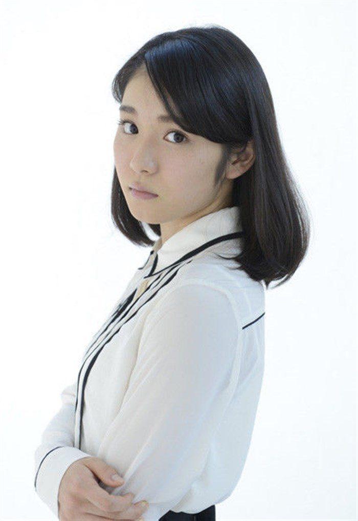 【画像】松岡茉優の推定Dカップの着衣おっぱいが地味にエロい!!0006manshu