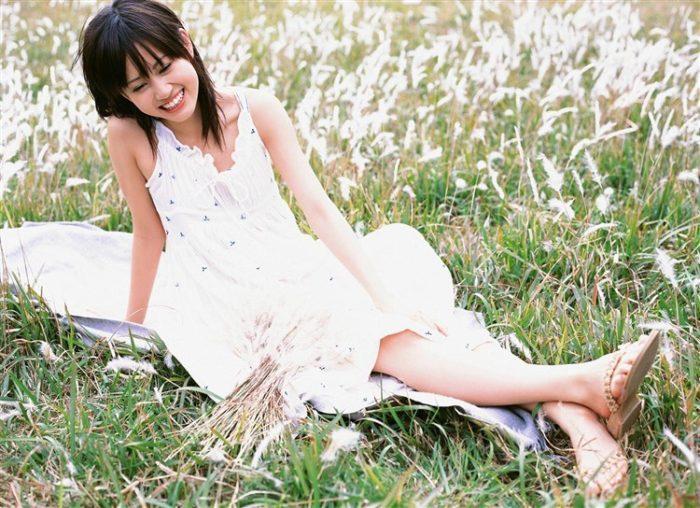 【画像】元AKB48前田敦子がちょっと可愛く見えてくるグラビア140枚まとめ0118manshu