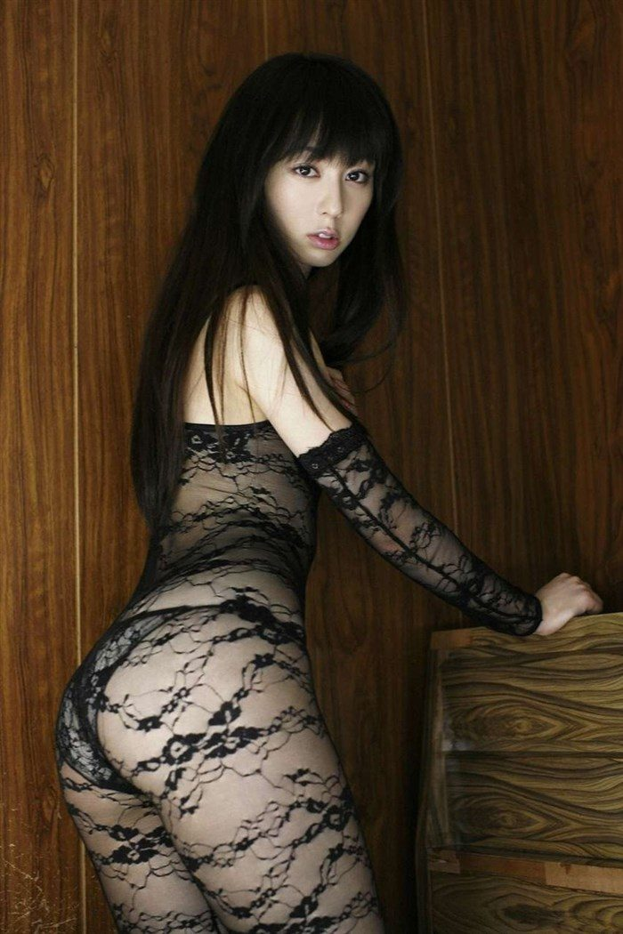 【画像】秋山莉奈の尻フェチが絶賛する過激ヒップを無料でご堪能下さい!!0012manshu