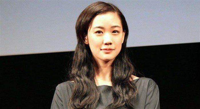 【画像】女優蒼井優の超貴重なちっぱい水着姿!!!!0027manshu