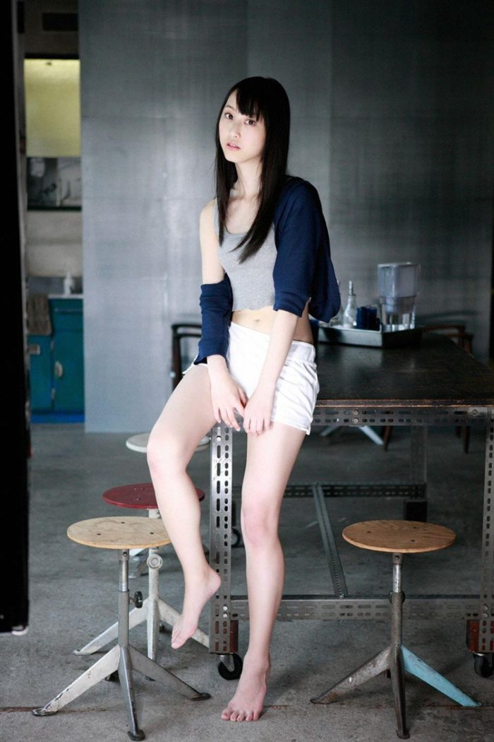 【画像】松井玲奈の生足が悩ましい微エロ高画質写真集まとめ0087manshu