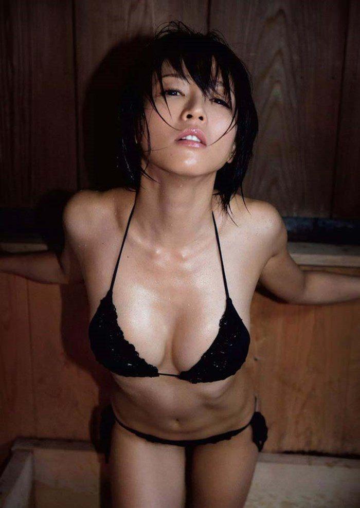 【画像】釈由美子が四つん這いで「ブチ込んで」ポーズwwwwwww0025manshu