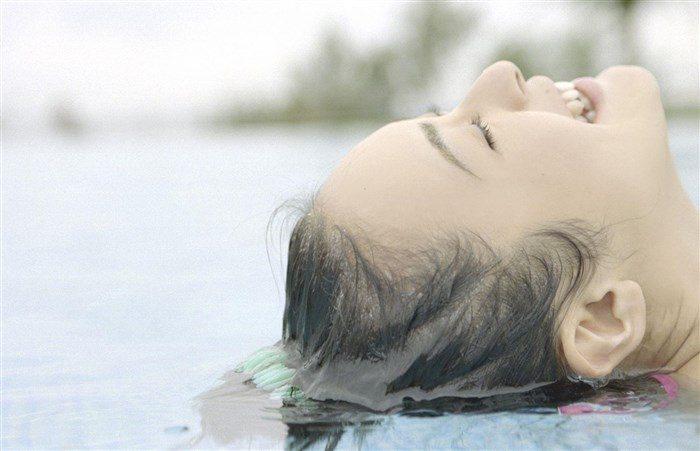 【画像】貫地谷しほり さんの清潔感溢れる微エログラビアまとめ0046manshu