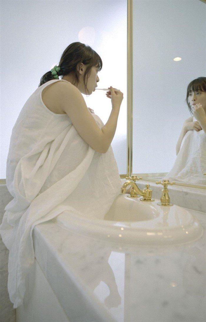 【画像】貫地谷しほり さんの清潔感溢れる微エログラビアまとめ0041manshu